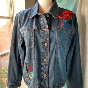 ✔️Chico's jean jacket with appliques.
